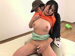 Little Asian golf pro sucks his cock so hard