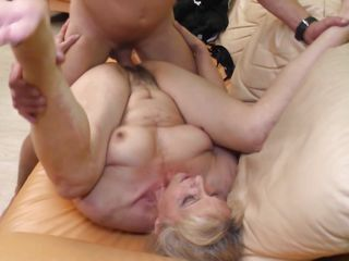simone loves to ride cock