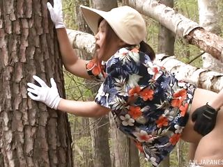 japanese lady fucked in the woods
