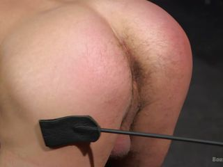 muscled banging slave swallows severe shlong