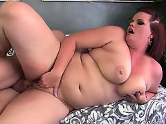 Hawt and chubby plumper shows her blow job sex skills with a